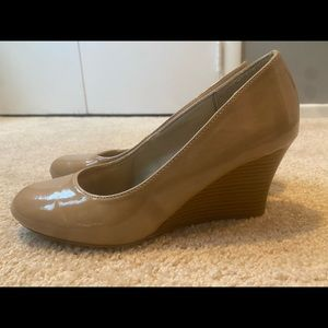 Tan paten leather wedges